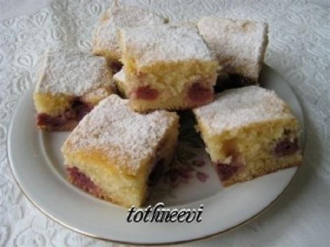 Kevert-meggyes-süti