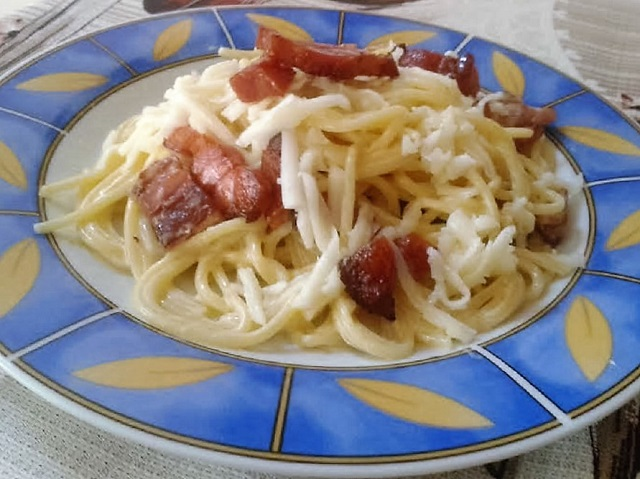 Tejfolos spagetti